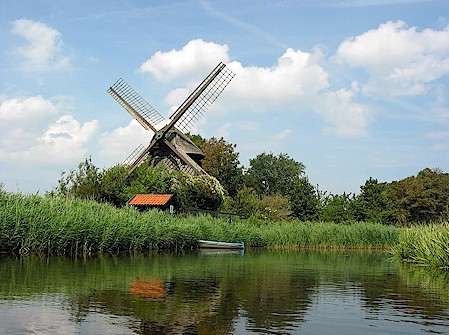Hollands landschap met molen